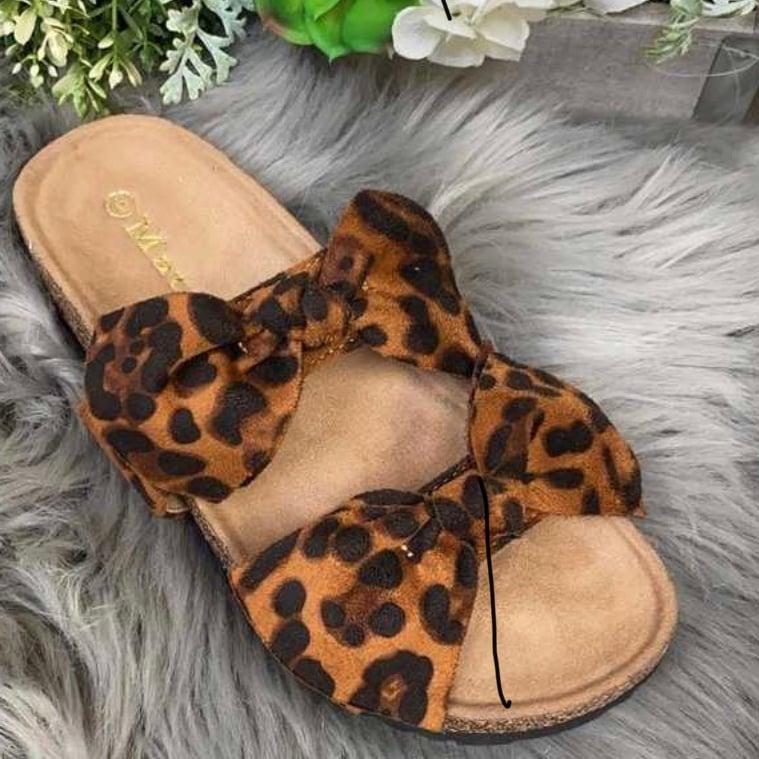 Image of Leopard print bow flip flop