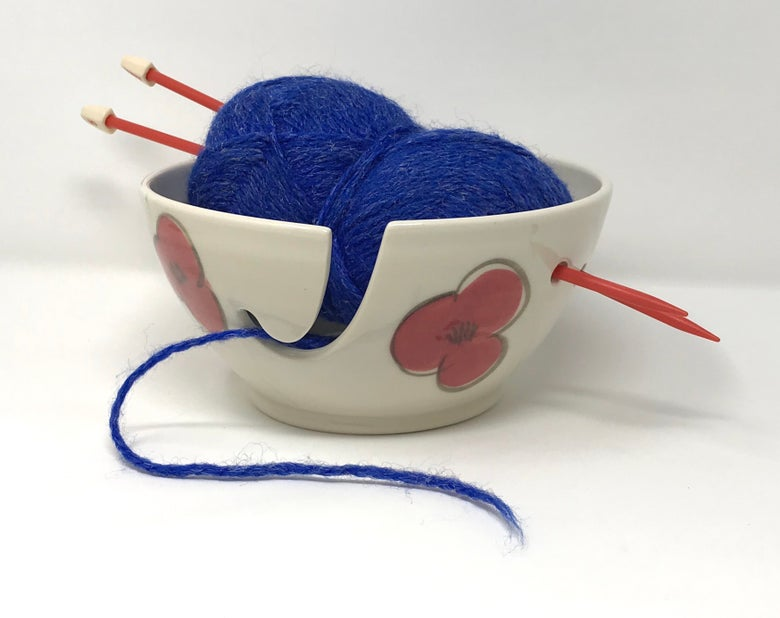 Image of Poppy decorated yarn bowl, medium