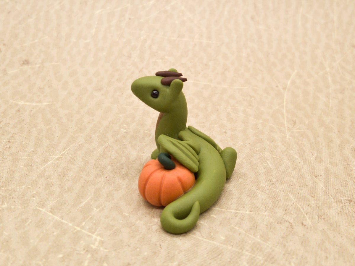 Mini Pumpkin Dragon