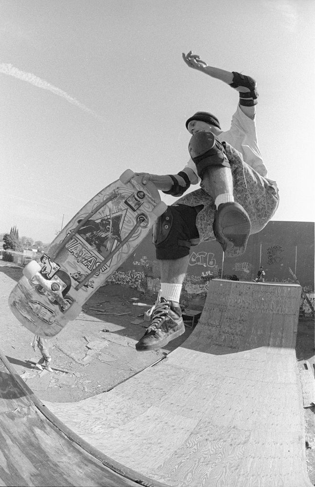 Natas kaupas, Culver City CA, 1990 by Tobin Yelland