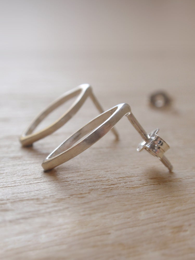 Image of Openwork Ogival Classic Earrings