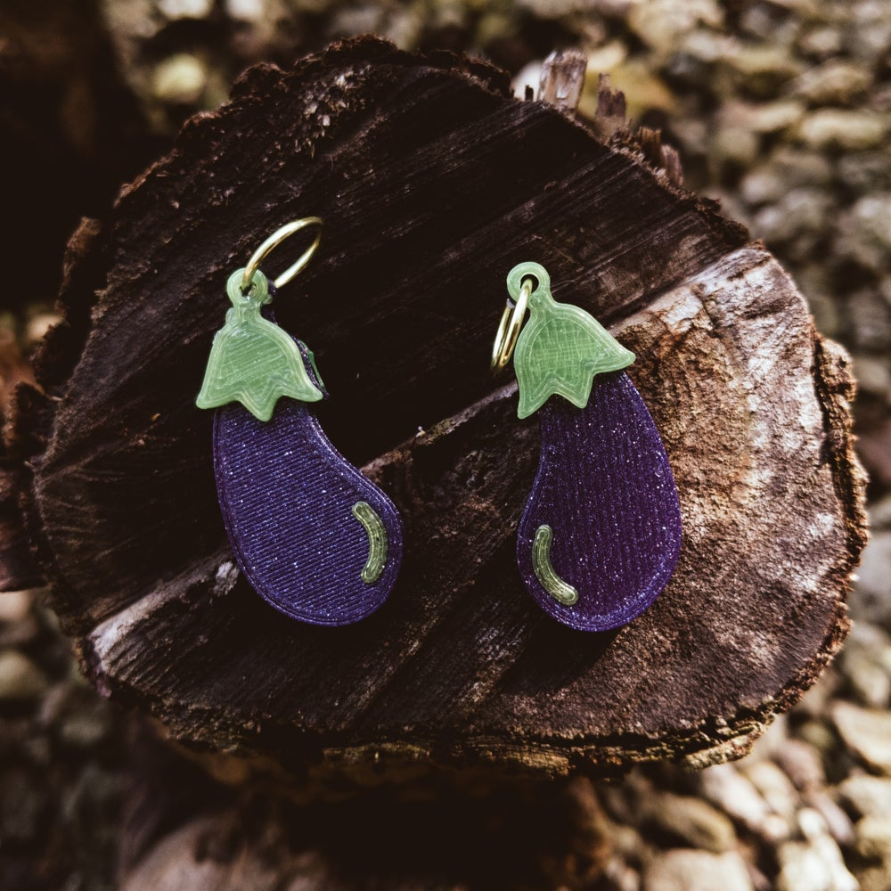 Image of Eggplant Earrings