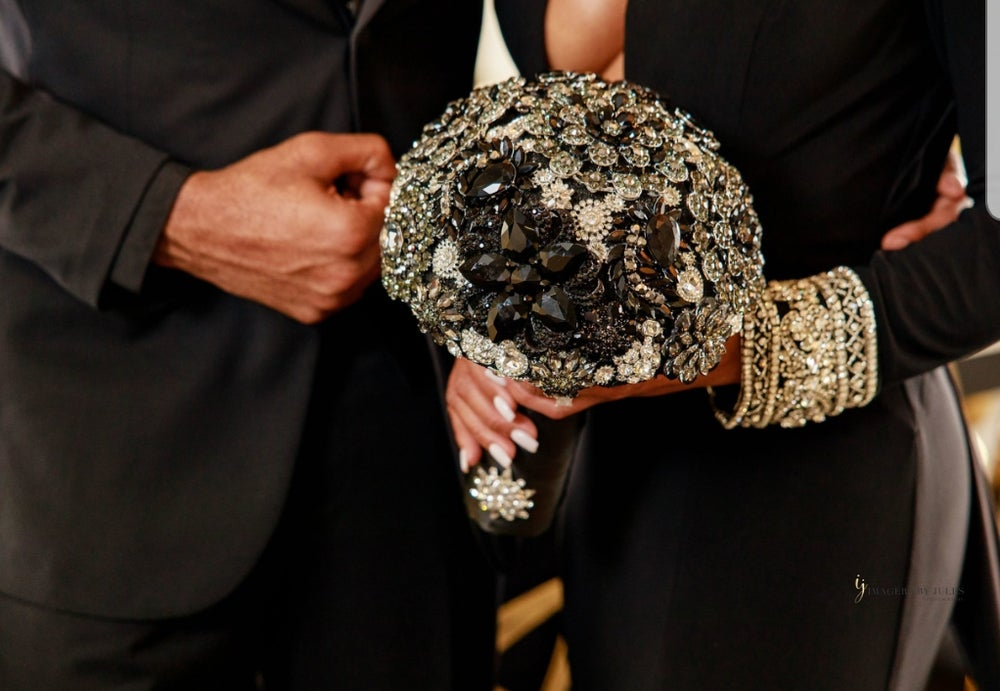 "Unity Collection ""Black Beauty"" Full Brooch Bouquet"