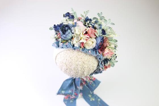 Image of Sitter Side Blooms Floral Bonnet - c