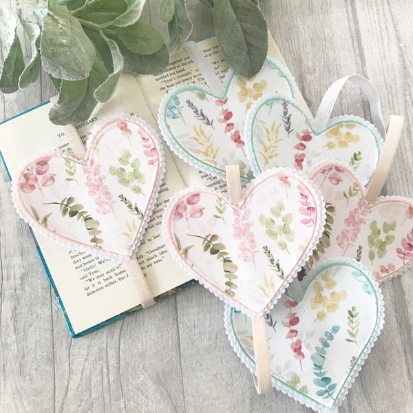 Image of Wild foliage Heart Bookmarks