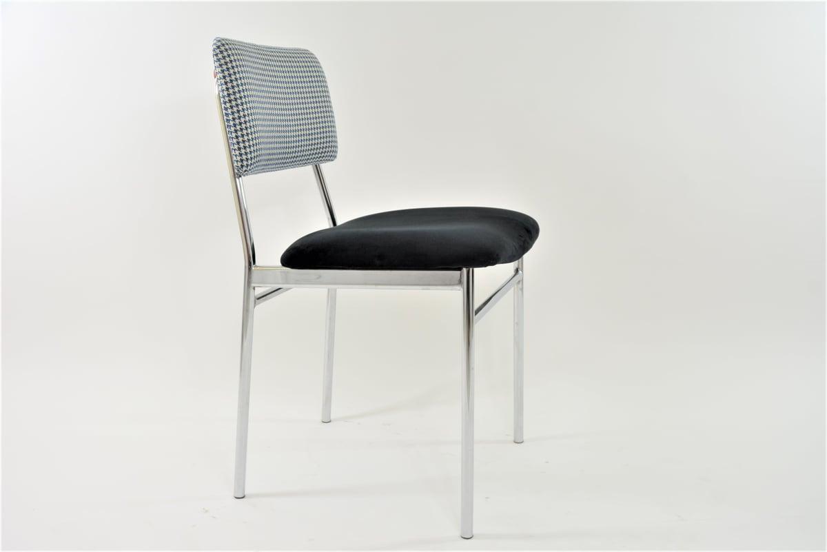 Image of Chaises chrome noir & pieds de poule