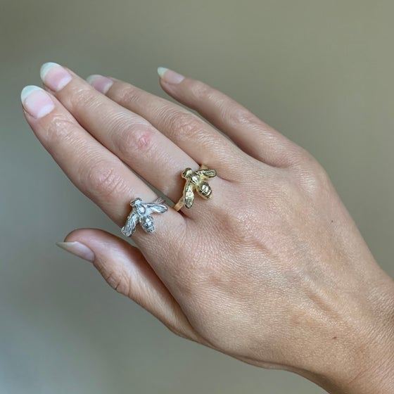 Image of Honey Bee Ring