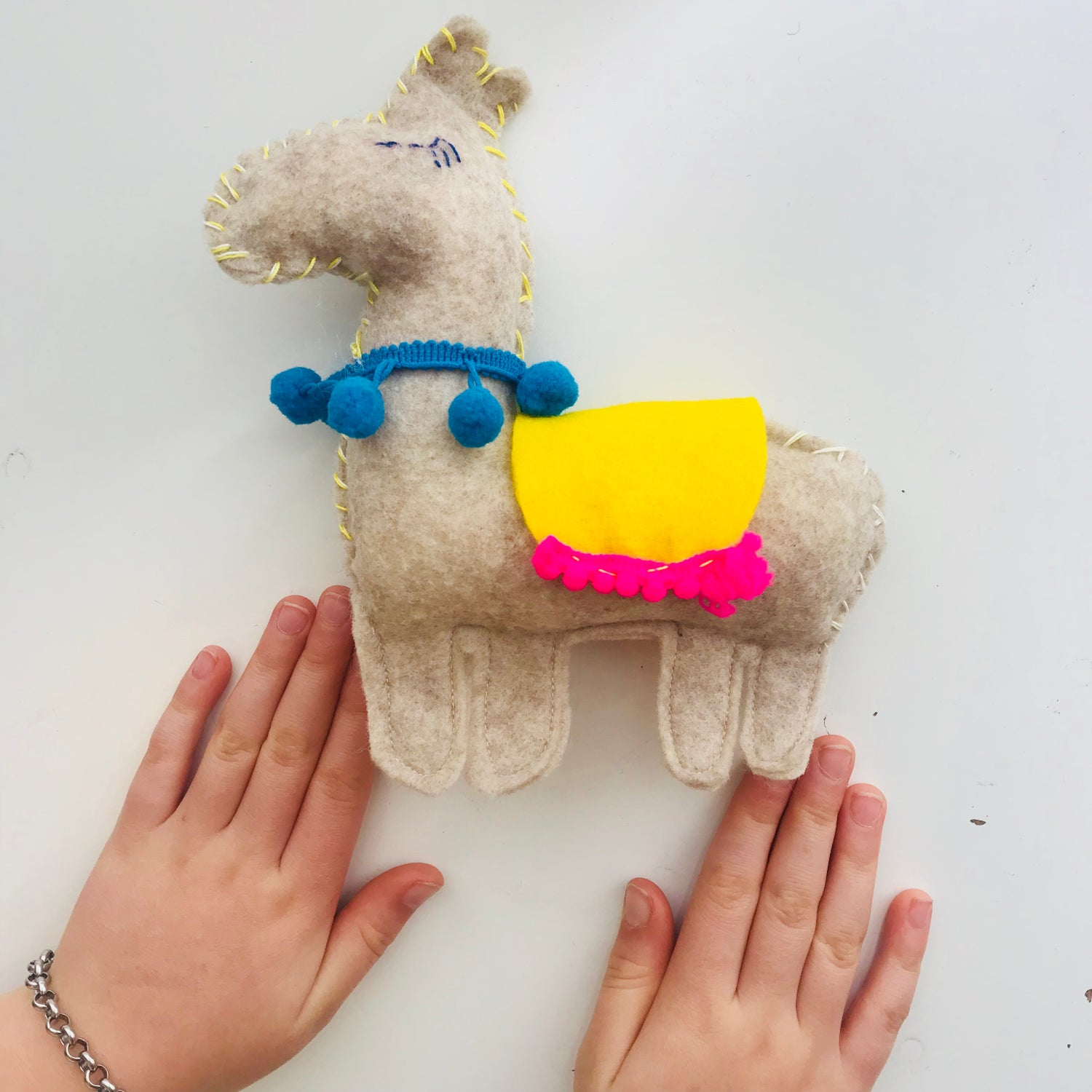 Image of Kids Hand Sewing