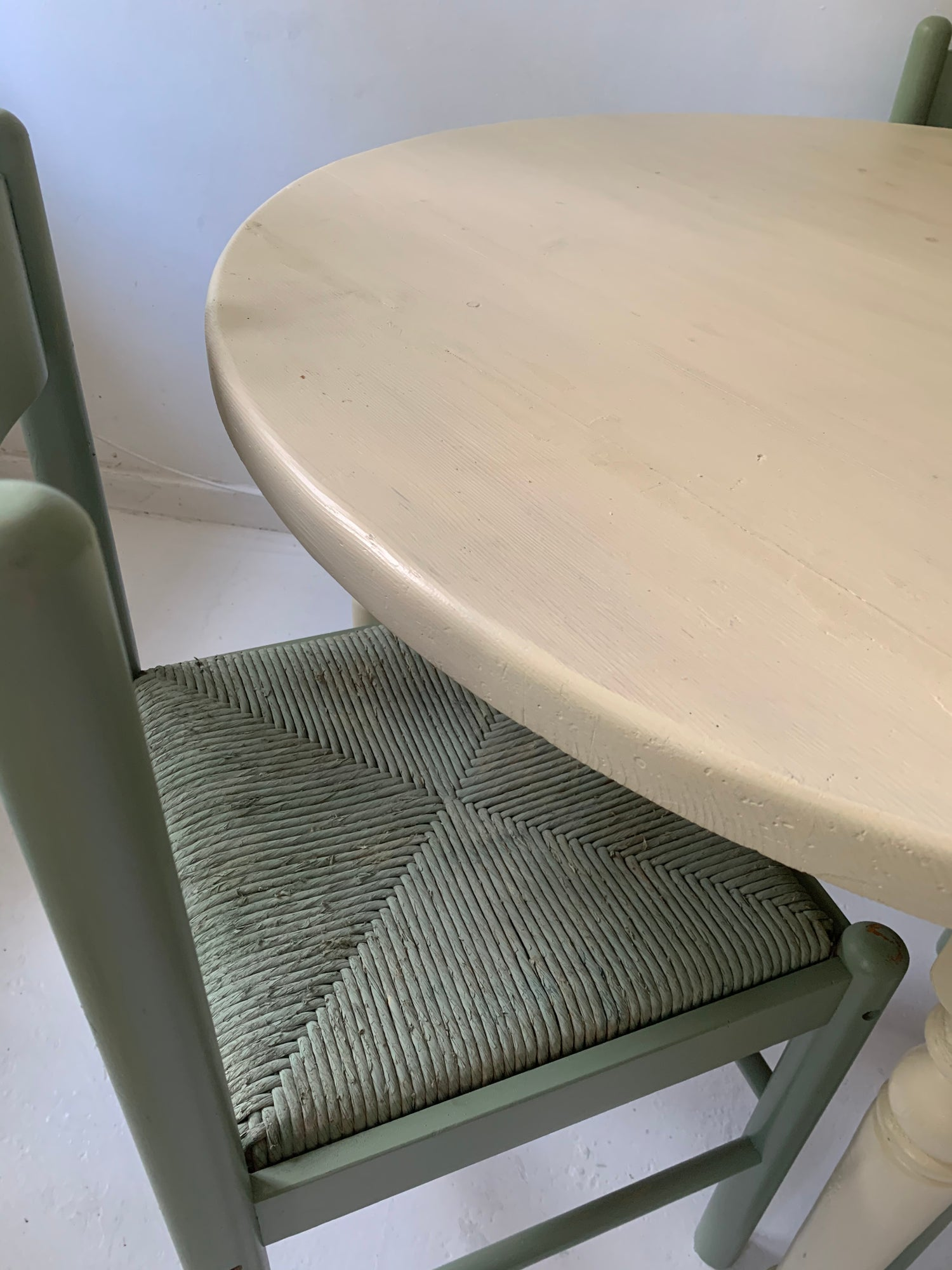 Image of Pine table with 3 chairs