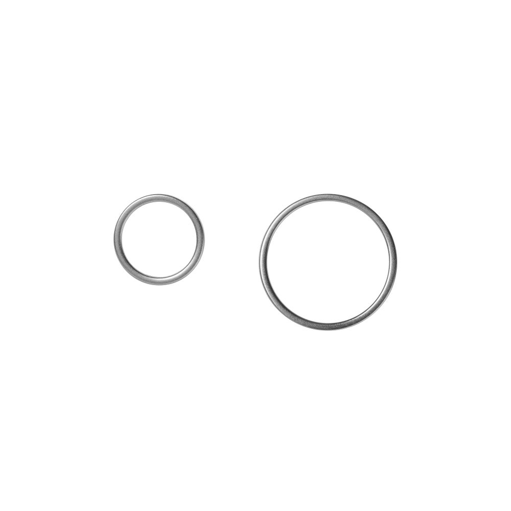 Image of Rhodium circle earstuds