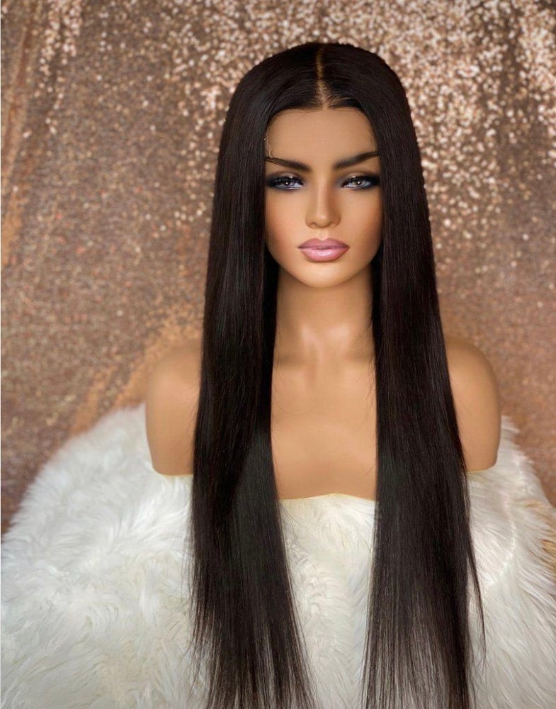 "Image of 28"" lace closure wig middle part"