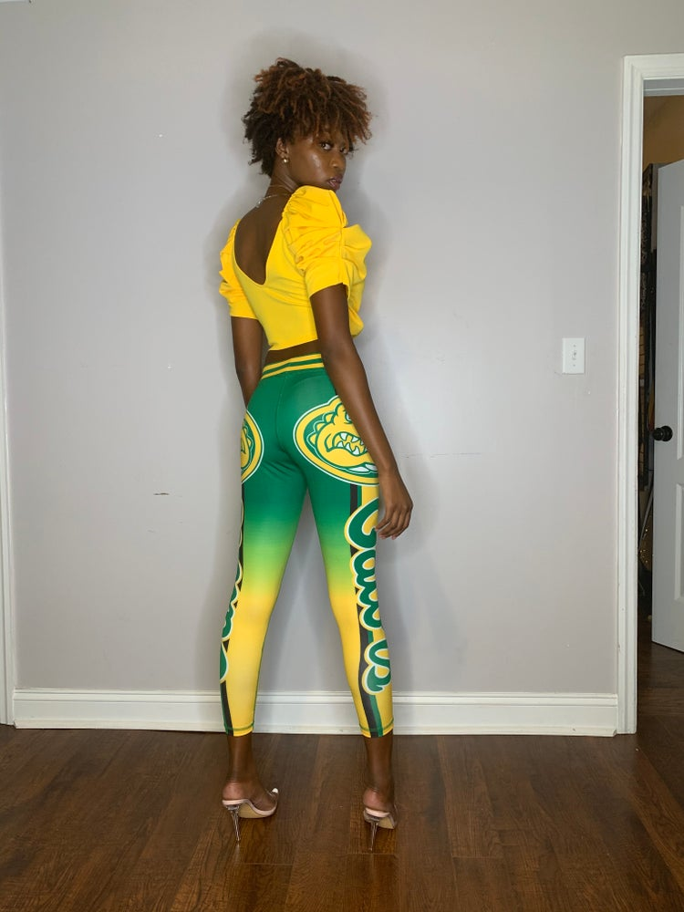 Image of Gator Chic leggings