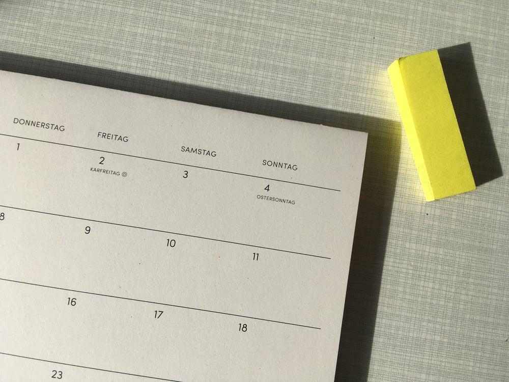 Image of Tischkalender 2021 Aubergine