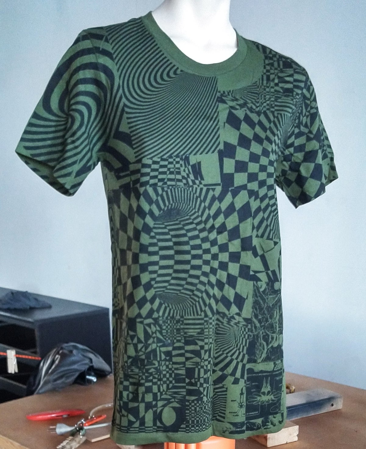Image of GREEN COLLAGE T [SMALL]
