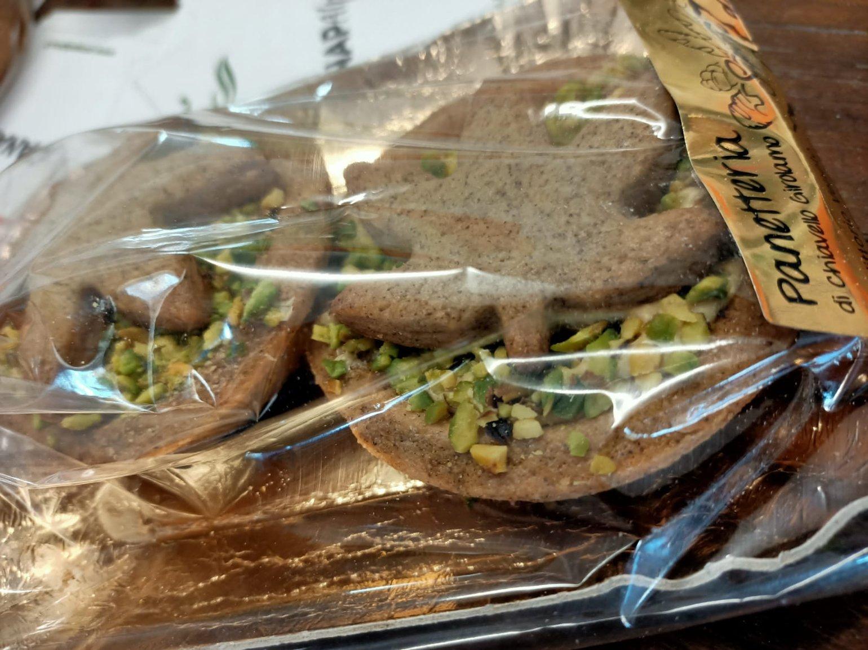Image of Crostatine con crema di pistacchi e frolla alla canapa