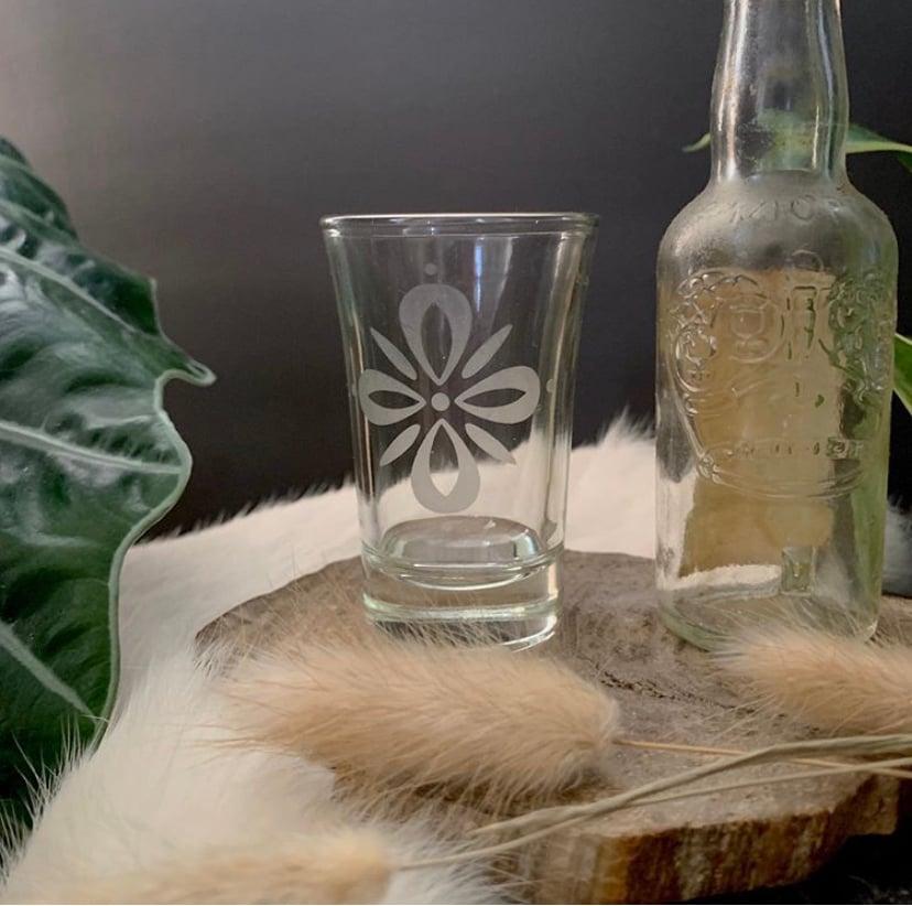 "Image of ""Fleur"" shot glass"