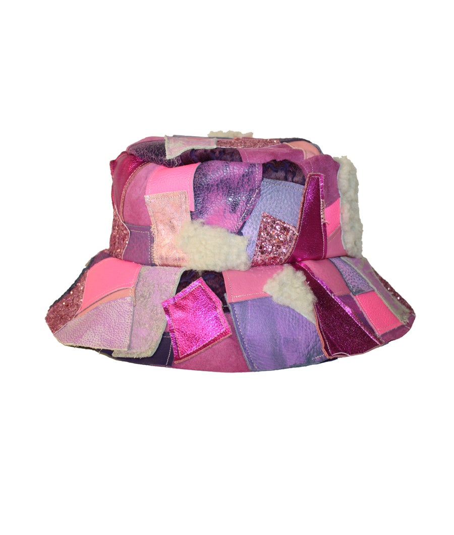 Image of LEATHER BUCKET HAT (HUBBA BUBBA)