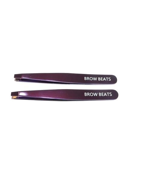 Image of Brow beats Tweezers