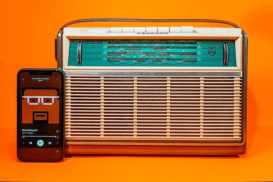 Image of PHILIPS ALL TRANSISTOR L4X00T (1961) RADIO VINTAGE BLUETOOTH