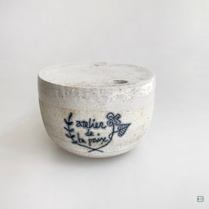 Makoto Kagoshima white vase