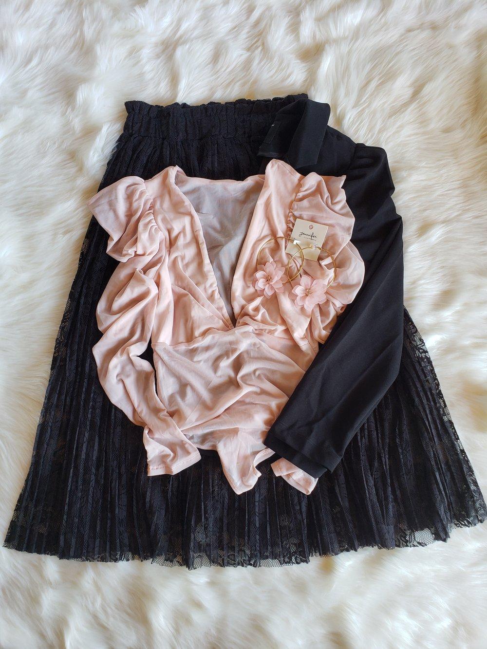 Image of Carli Lace Skirt (black)