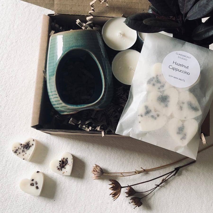 Image of Wax Melt Starter Gift Set with Teal Honey Pot Style Burner