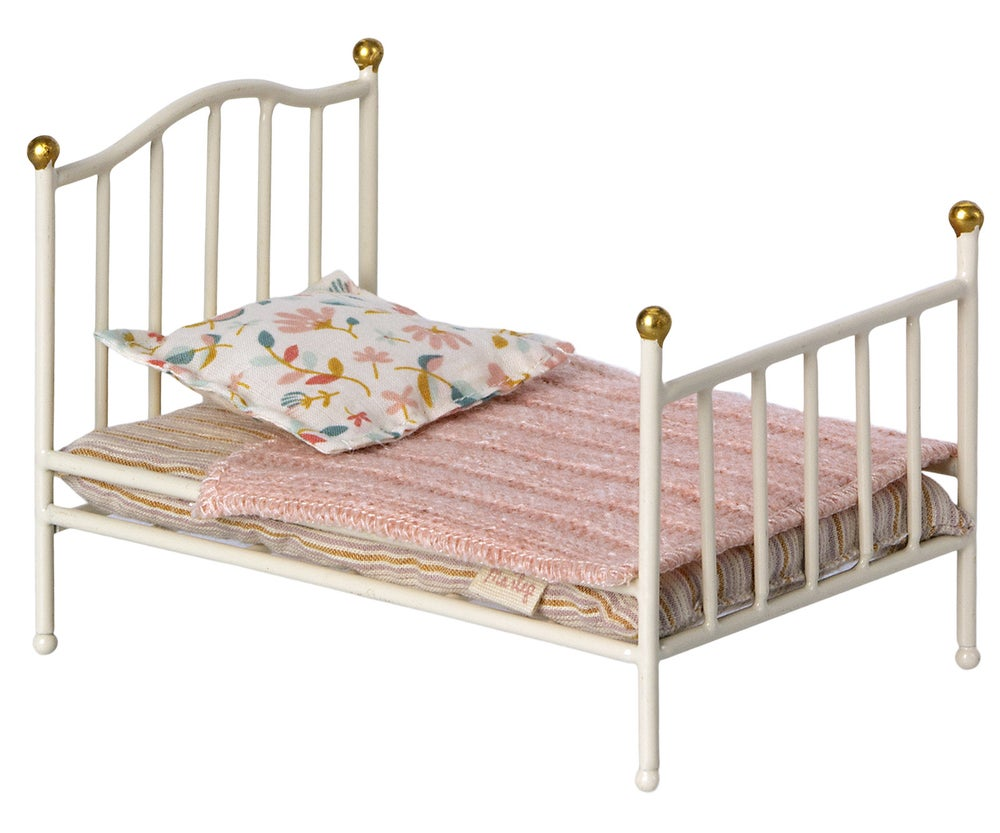 Image of Maileg - Vintage Bed Mouse Off White (Pre-order)