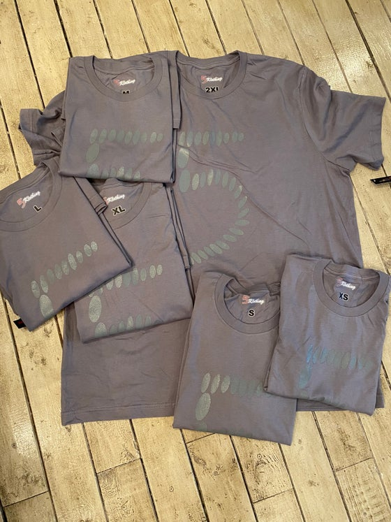 "Image of Gray ""5""Classic T"