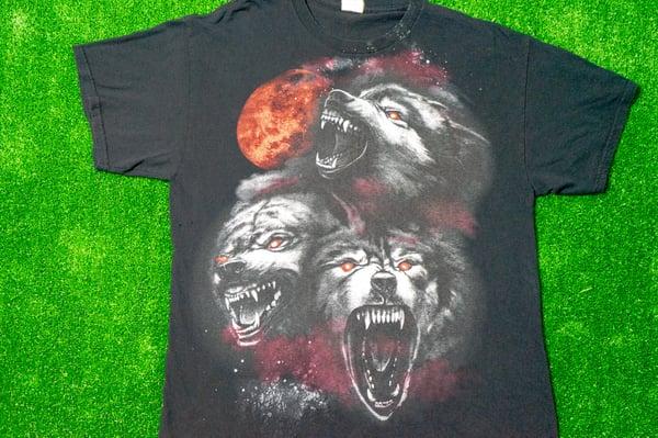 Image of Vintage Gildan Wolves T-Shirt Size(L)