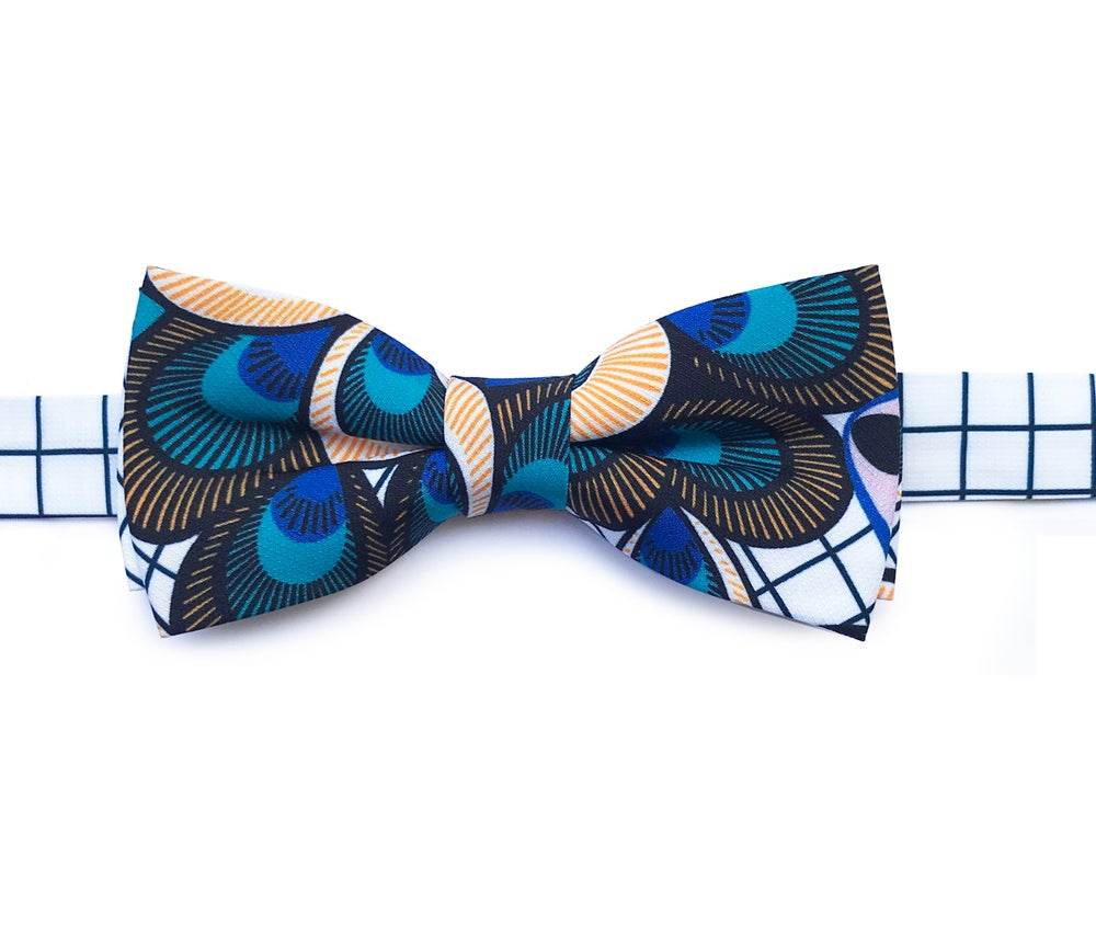Image of Peacock graphics pre-tied-bow tie