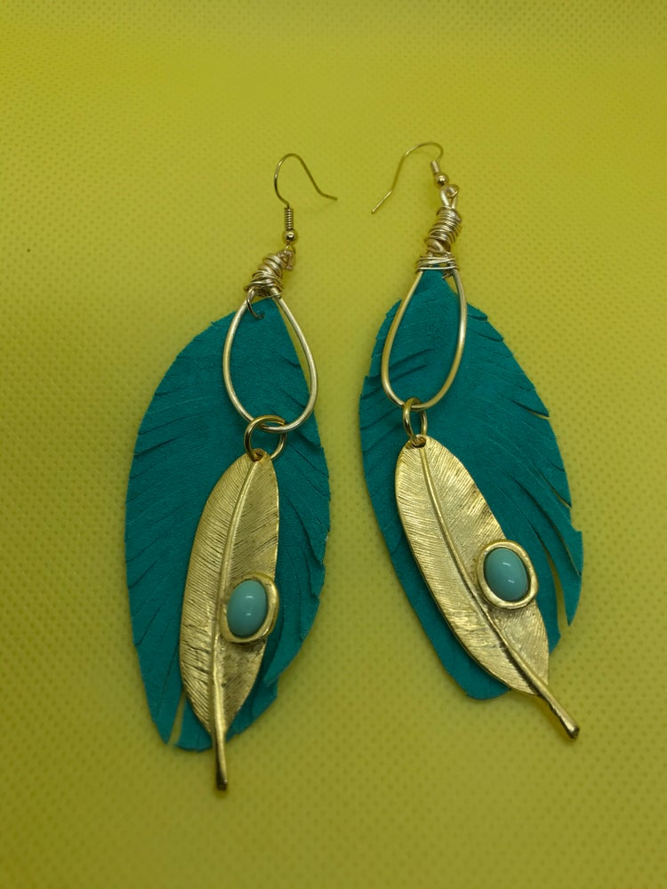 Image of UnbeLeafable earrings