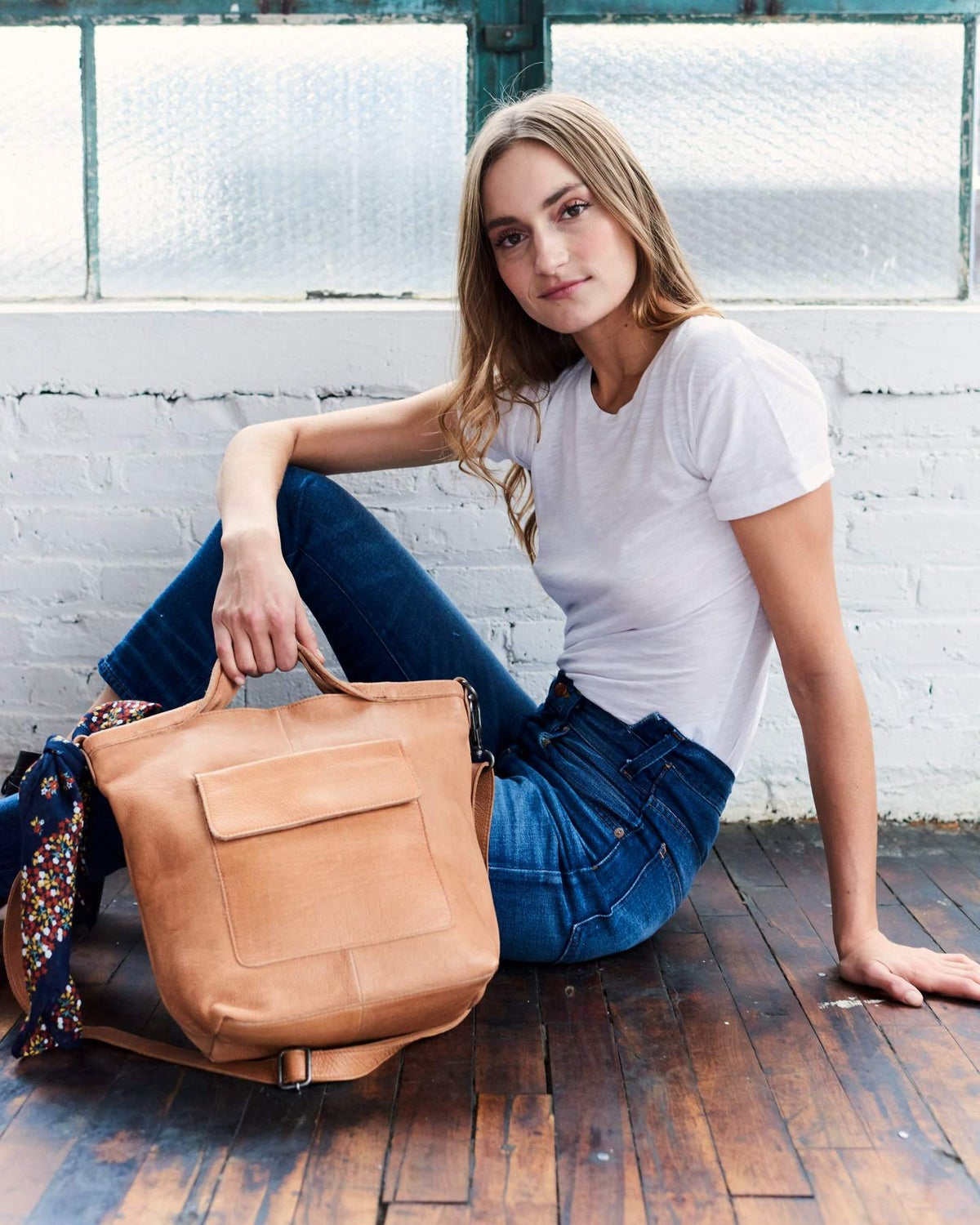 Image of Bianca Leather Crossbody Tote - Tan