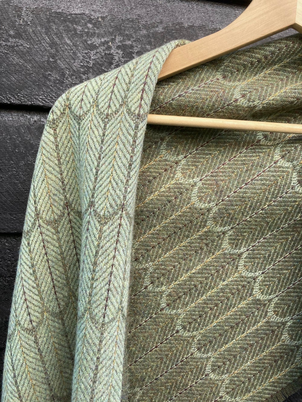 Image of Apple & Moss 'Feathers' shawls