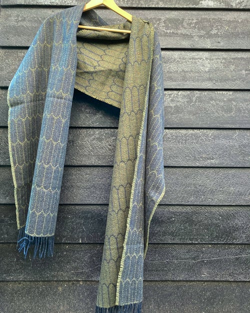 Image of Navy & Moss 'Feathers' shawl