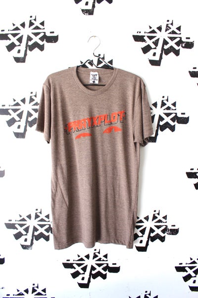 Image of heatin up tee in cocoa