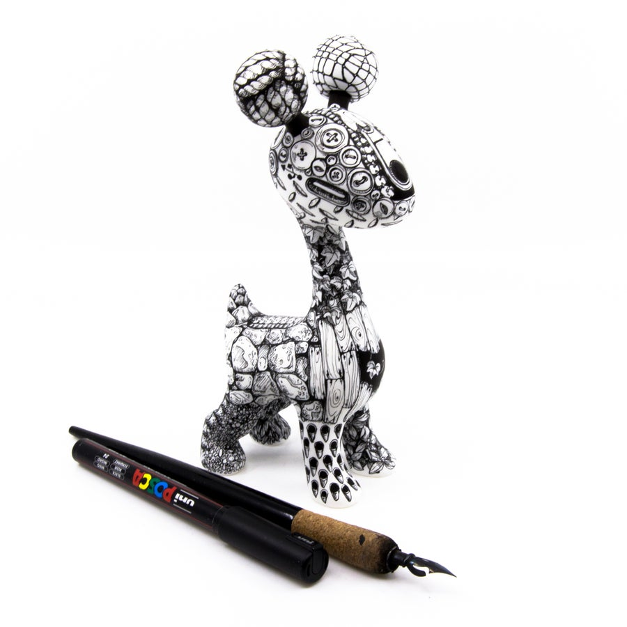 "Image of 1 of 1 - 6.5"" Dip Pen & Marker Texture Monster Draffi - Designer Toy"