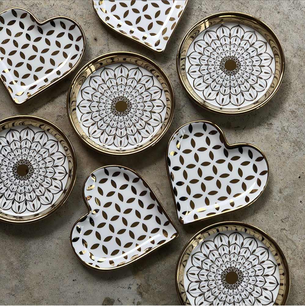 Image of CERAMIC DISHES - WHITE | GOLD $20 - $25