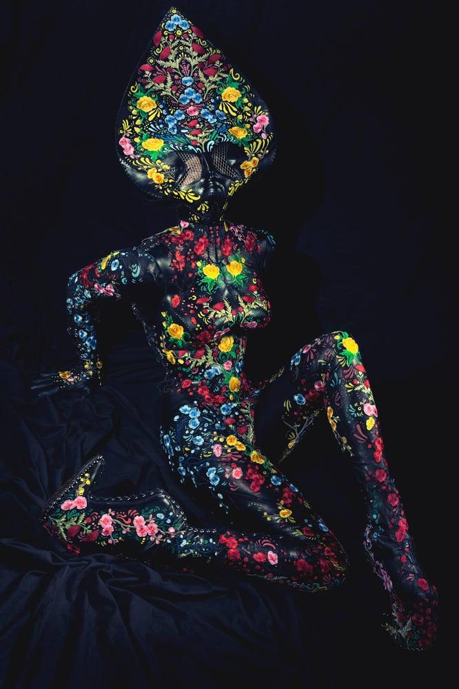 """Image of """"Floral Alien"""" Black Print"""