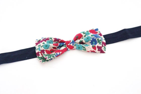 Image of Noeud Papillon Adulte en Liberty Poppy and daisy canard - SUR COMMANDE