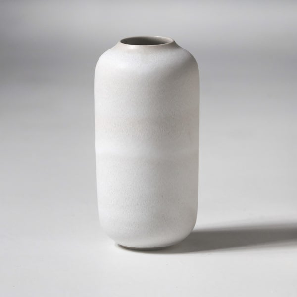 Image of CLASSIC UNIKA VASE IN FROSTED WHITE GLAZE