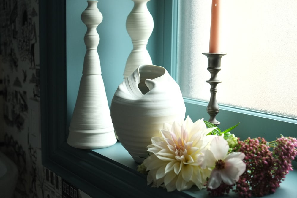 Image of Reserved for Jacqui, Scorpion Vase, Warm White, #674