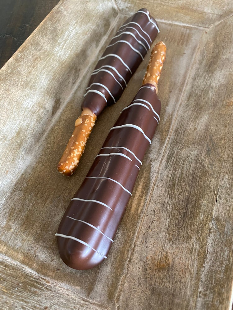 Image of caramel & dark chocolate pretzel rod