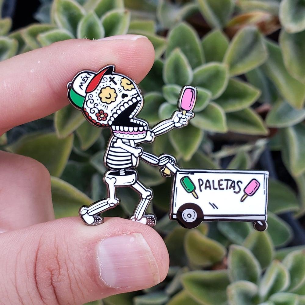 Paletero Calavera Enamel Pin