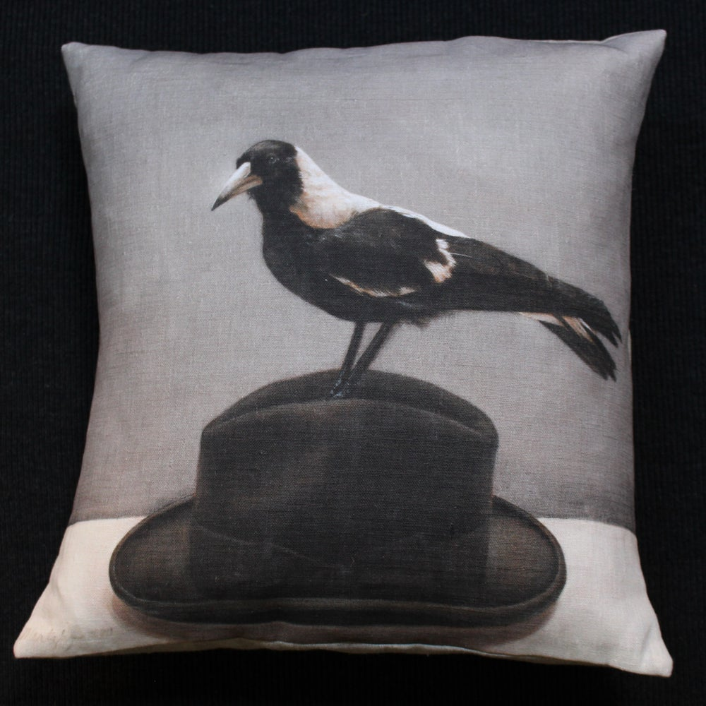 Image of Magpie on Hat