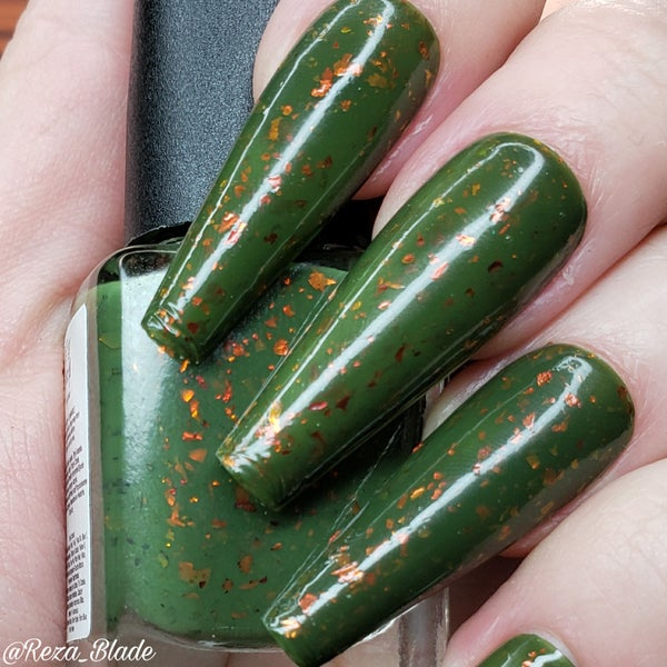 Image of Be-leaf in Magic – a forest green crelly base with ultra chrome chameleon flakes in red/gold