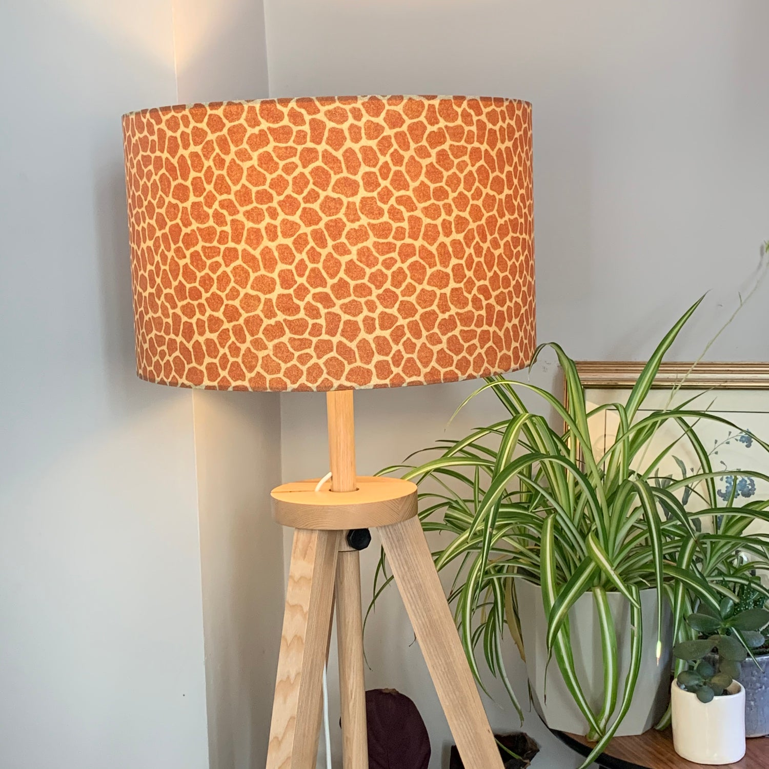 Image of Jungle Giraffe Tan Shade