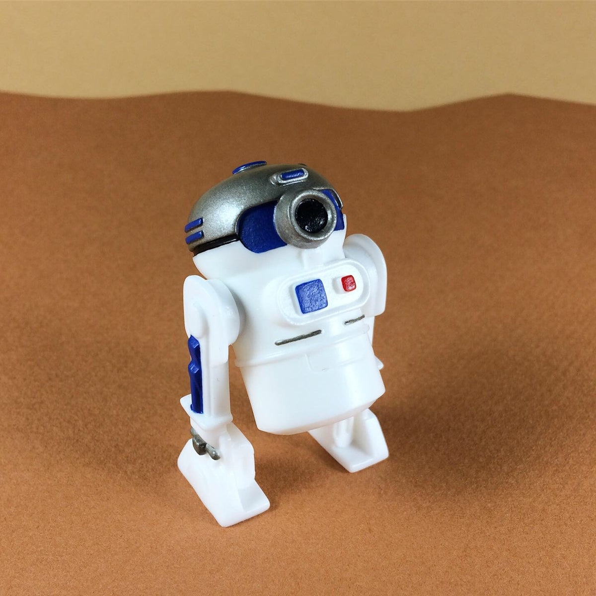 Image of R2-D2-LM9