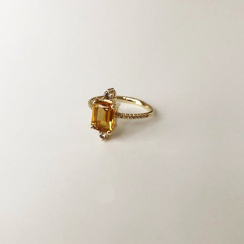 Image of Sparkling Citrine Ring