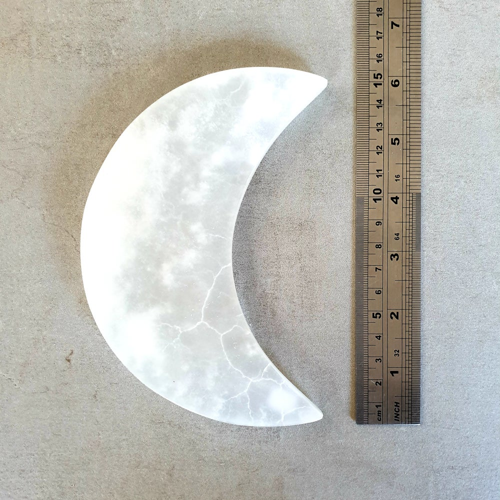 Image of MEXICAN WHITE ONYX MOON