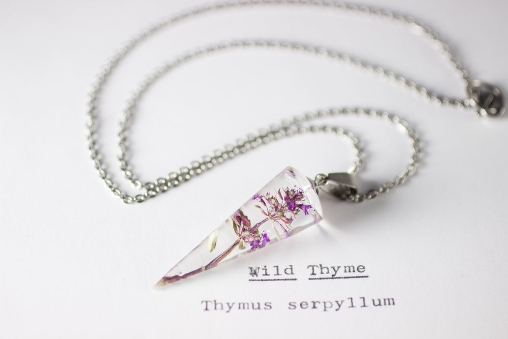 Image of Wild Thyme (Thymus serpyllum) - Conical Pendant #2